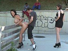 Минет, Брюнетки, Доминирование, Две девушки, Группа, Секс без цензуры, Унижение, Втроем
