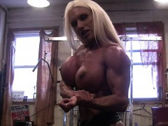 Muscular Pornstar Ashlee Chambers in the Gym