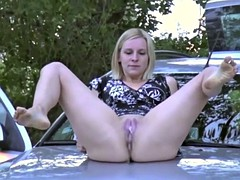 Babes Peeing Outdoor 5