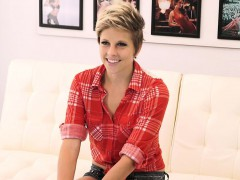 FetishNetwork Makeena Reese couch sex