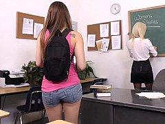 18, 茶髪の, 大学生, カワイイ, レズビアン, ガリガリ, 生徒, 教師