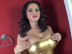 Sunny Leone showing her soaked fuck hole in close up