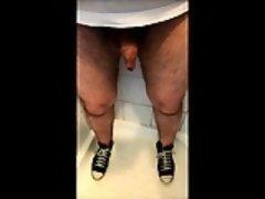 Dribbling piss through my foreskin