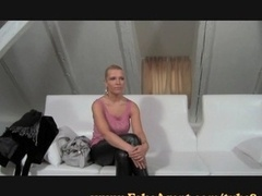 FakeAgent Terrific blonde works her perfect butt on casting
