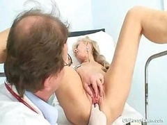 Anezka mature cunt gyno speculum gyno clinic checkup by gyno doctor