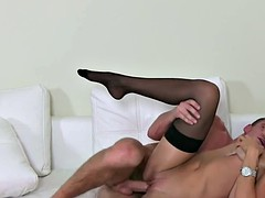 Pussylicked chick agent cumsprayed at casting