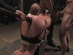 Anal, Domination, Humiliation, Orgie, Public, Punition, Esclave, Attachée