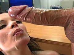 Gros seins, Tir de sperme, Mignonne, Faciale, Mère que j'aimerais baiser, Bureau, Avaler, Nénés