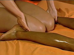 Massage The Body To Relax