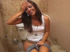 Cul, Brunette brune, Mignonne, Poilue, Adolescente, Toilettes