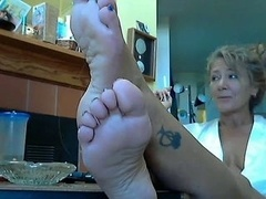 Hot Female and moreover her sexy Feet 2