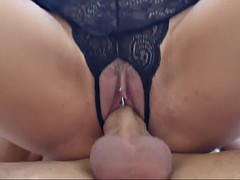 mega curvy mature dame jasmine jae gets banged by lucky hunk