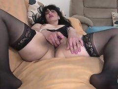 Arab mature mommy from uk with hun Zonia from dates25com