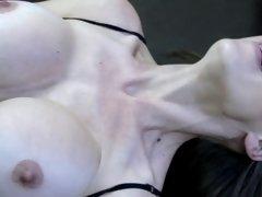 Gros seins, Sucer une bite, Brunette brune, Hard