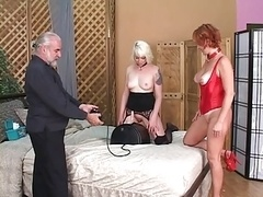 Minion gets on dildo and furthermore dom controls it and furthermore pulls her nipples