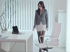 Bekleidet, Europäisch, Brille, Lingerie, Nackt, Büro, Schüchtern, Strümpfe