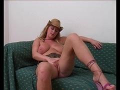 Brit cowgirl blowjob