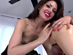ballbusting domina rims her submissive