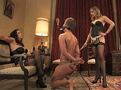 Femelle, Femme dominatrice, Fétiche, Humiliation, Mère que j'aimerais baiser, Maîtresse, Esclave, Attachée