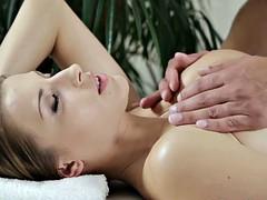 Blonde, Éjaculation interne, Tir de sperme, Massage, Actrice du porno