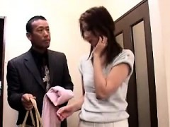 Asian babe is kinky and appreciates public