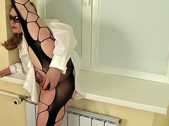 woman flexible 02