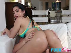 Kitty Caprice in Bump Set And Spike My Pussy