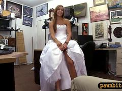 Tight amateur blonde babe in wedding gown gets banged