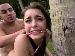 Amateur babe pounded hard outdoors