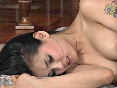 BEATIFUL ASIAN GIRL SCENE