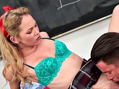 Slutty college girl gets her pussy drilled on the desk