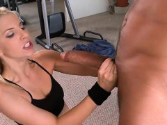 Appealing slut exposes her curves during sex
