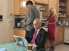 Cheating hot stepmom gets down and dirty for supper