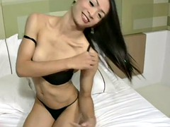lboy beautiful long hair is sucking her mans thick meat