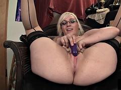Curvy Ruby Masturbating
