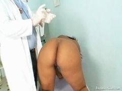 Manuela black snatch gyno speculum kinky exam by grown-up doctor