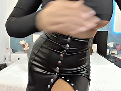 Asian_delight in leather skirt (second day)