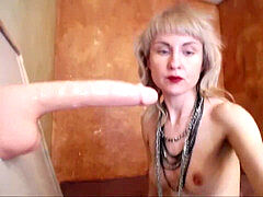 brilliant deepthroater russian tramp zero gag relfex deep-throat job artist