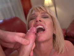 Cock-hungry mature Milf Amy banged on leather couch