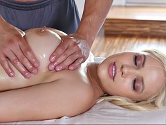Nana, Blonde, Tir de sperme, Hard, Massage, Huilée, Chevaucher, Nénés